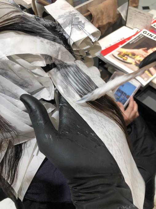 縮毛矯正のお薬の塗り方